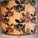 §§ Abat-Jour pour Suspension 'ROLLER' Design Contemporain - Tambour. Finition en Tissu Décoré avec Fleurs / Lys en Gris et en Violet. Cordon électrique Non-Fourni de la marque MSUN image 2 produit