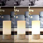 AUKEY Lampe de Chevet LED avec Contrôle Tactile à 360°, Lampe de Table avec 3 Niveaux de Lumière Blanche Réglable et Changement de 256 Couleurs RGB de la marque Aukey image 1 produit