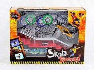AumoToo Rampes de Skatepark, Mini Finger Bike Skateboard Playset Jeu de Skate Park Touche avec des vélos Ultimate Sport Training Props Jouet Cadeau de Noël pour Les Enfants de la marque AumoToo image 0 produit