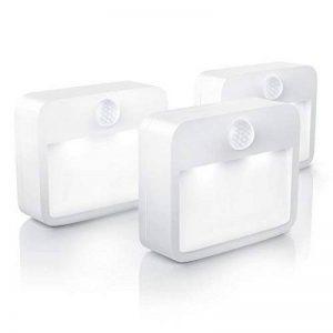 Brandson - Pack 3 x Éclairages de nuit LED avec détecteur de mouvement et capteur de luminosité (capteur crépusculaire) | Éclairage nocturne alimenté par batterie / lampe de nuit avec batterie (utilisable de manière flexible) | plus fixation magnétique et image 0 produit