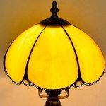EuSolis 8 Pouces en Verre ambré Tiffany Vintage Gold Lampe de Table Classic Designer Abat-Jour Lampe de Chevet E27 Home Deco pour Salon de la marque EuSolis image 2 produit