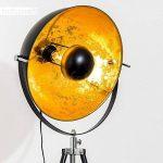 Lampadaire tripode Saturn XL noir avec réflecteur doré - Lampadaire projecteur de cinéma avec globe pivotant et hauteur ajustable - Luminaire design vintage adapté aux ampoules LED de la marque hofstein image 4 produit