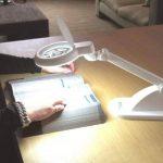 LAMPE LOUPE - Néon Daylight Fluorescent Idéal Philatélie de la marque Générique image 1 produit