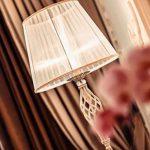 Lampe à poser, lampe de table, lampe de chevet, style classique, chic, Armature en Métal couleur bronze decoré avec cristal, Abat-jour en tissu blanc, 1 ampoule non incluses, pour le salon, chambre, sejour, bureau, 40 W E14 220V -240V de la marque MAYTONI image 4 produit