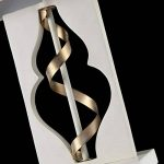 Lampe à poser, Lampe de table, Lampe de chevet, style moderne, Art deco, Armature en Métal couleur blanc et or, Abat-jour carré en tissu blanc, ampoule non incluse , pour le salon ou chambre, bureau, 40 W E27 220-240V de la marque Maytoni image 4 produit