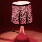 Lampe touch métal blanc motif papillon violet de la marque Atmosphera image 1 produit