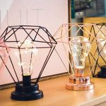 Mode Diamant Forme Lampe de Bureau Batterie Alimenté Chambre Décoration Tablette Nuit Lumière Avec Commutateur Fer Art Photographie Props de la marque Gwendoll image 4 produit